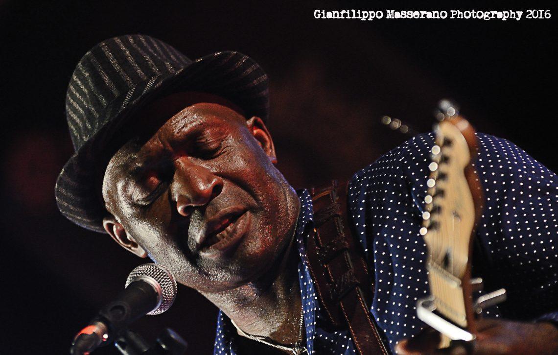 Roland Tchakounte, 2016, gianfilippo masserano, narcao blues, narcao, sa scena sarda