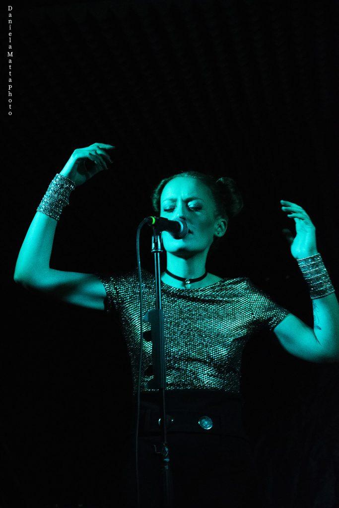 Grace - Texile - Daniela Matta - Fabrik - report - Sa Scena Sarda