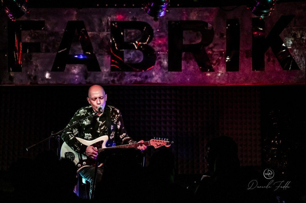Karel Music Expo - Stuart Braithwaite - Fabrik - Daniele Fadda - 2019 - Sa Scena Sarda - 9 novembre