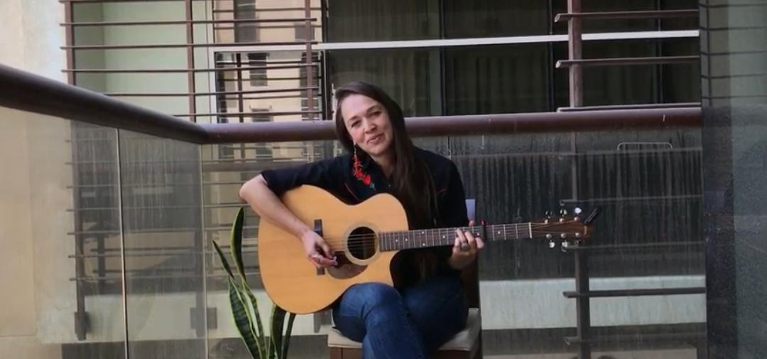 Kristina Jacobsen - special gift - Terra po approdare - musicachenonsiferma - gliamicidimusicachenonsiferma - Angela Colombino - 2020 - Sa Scena Sarda