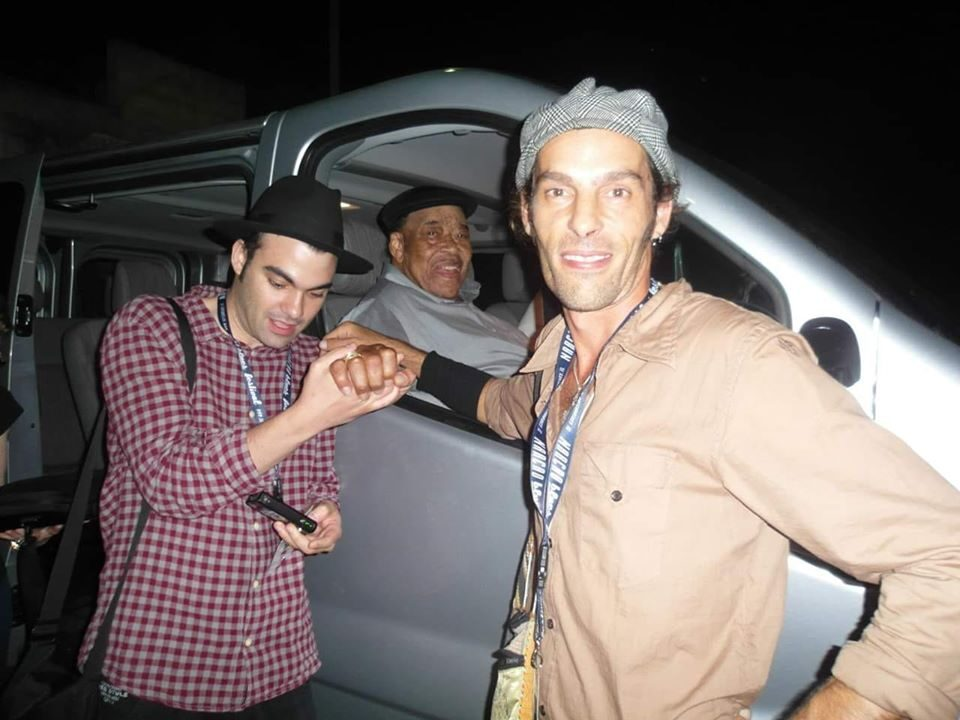 Marco Farris - James Cotton - Matteo Zuncheddu - Narcao Blues - 2012 - backstage - MArco Farris - Talkin' Blues - Simone Murru - Intervista - Cagliari Blues Radio Station - 2020 - Sa Scena Sarda - _ luglio 2020
