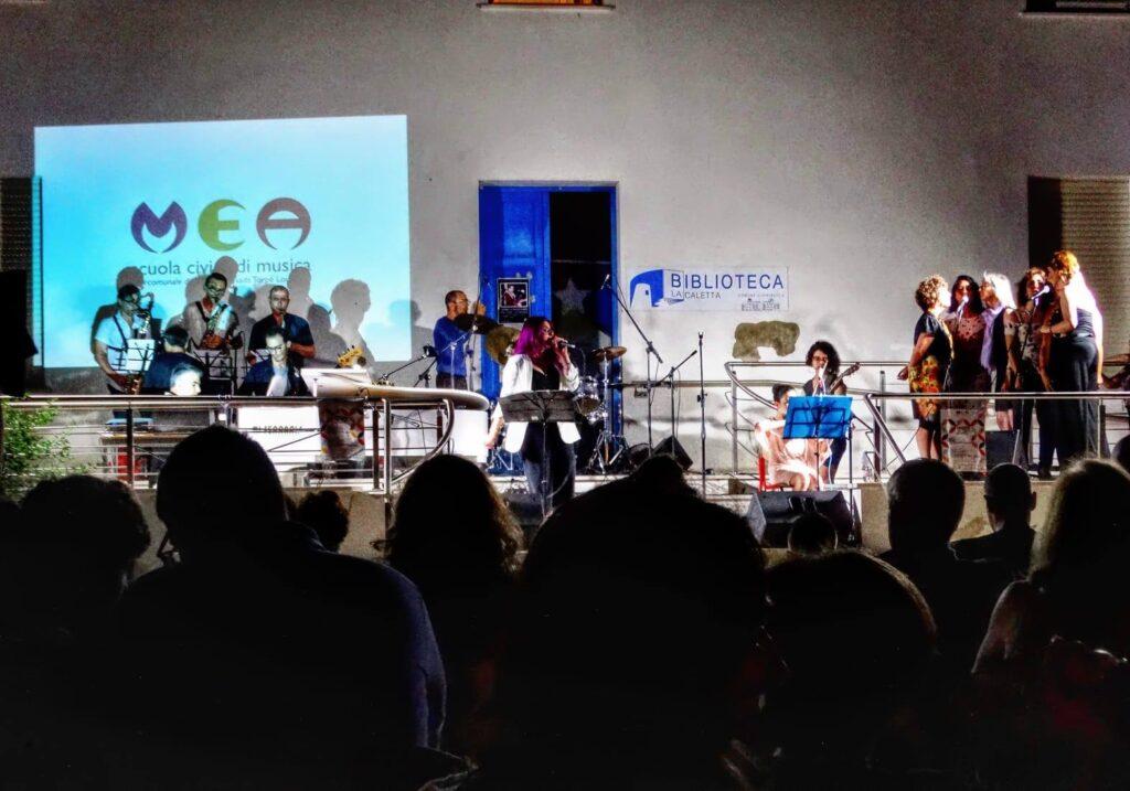 Mea - Scuola Civica di Musica - La Caletta - Siniscola - Carlo Setzi - È tutta scena - intervista - Mauro Piredda - 2021 - Sa Scena - 14 maggio 2021
