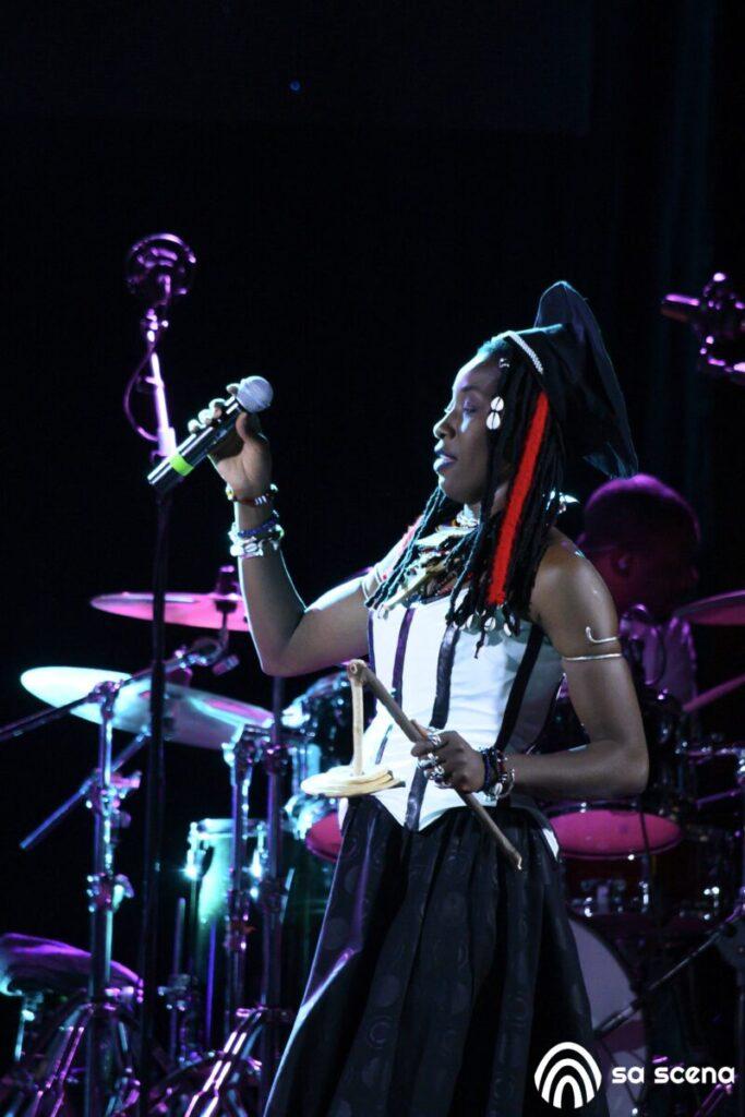 Abbabula Festival - Fatoumata Diawara - Sassari - festival - live report - Federico Murzi - 2021 - Sa Scena - 12 agosto 2021