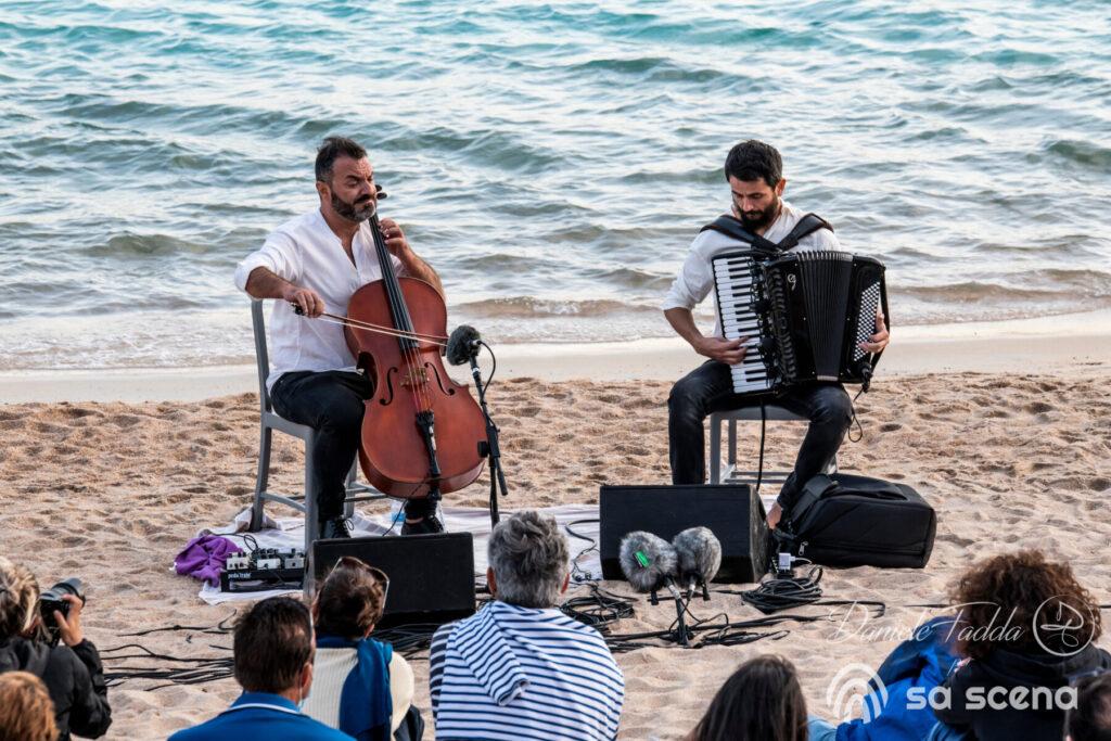 Isole che Parlano - The Stolen Cello - Redi Hasa - Rocco Nigro - Daniele Fadda - Cala Corsara - Isola di Spargi - La MAddalena - 12 settembre 2021 - fotoreport - 2021 - Sa Scena - 14 settembre 2021