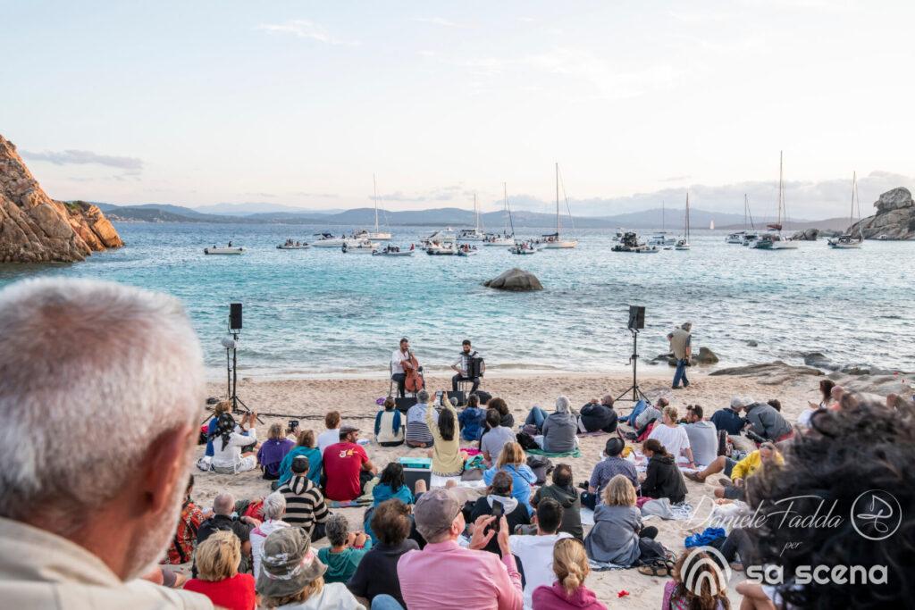 Isole che Parlano - The Stolen Cello - Redi Hasa - Rocco Nigro - Daniele Fadda - Cala Corsara - Isola di Spargi - La MAddalena - 12 settembre 2021 - fotoreport - 2021 - Sa Scena - 15 settembre 2021