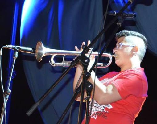 È tutta scena - Tatiana Giuranna - Ossi - banda - trombettista - intervista - Luca Garau - 2021 - Sa Scena - 17 settembre 2021