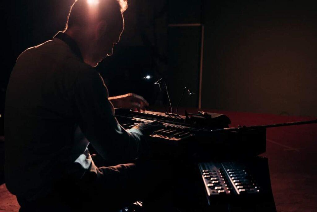 È tutta scena - Daniele Ledda - Clavius - Signal 2020 - Marco Piras - intervista - Simone La Croce - 2021 - Sa Scena - 13 agosto 2021